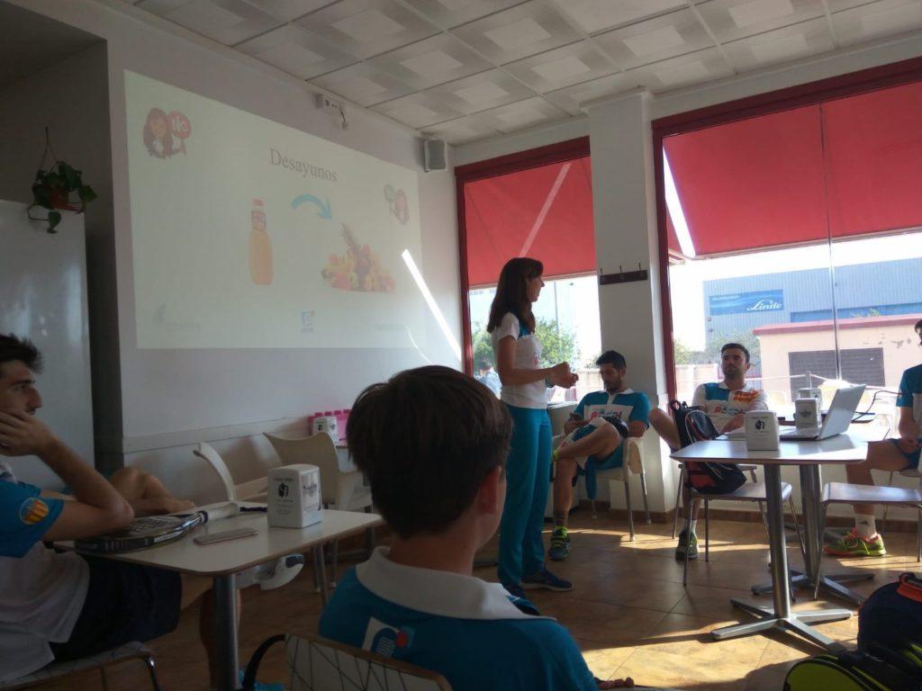 Charla Andrea Ferrandis en la tecnificación de pádel