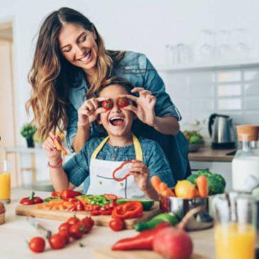 Trucos para llevar bien una alimentación familiar saludable
